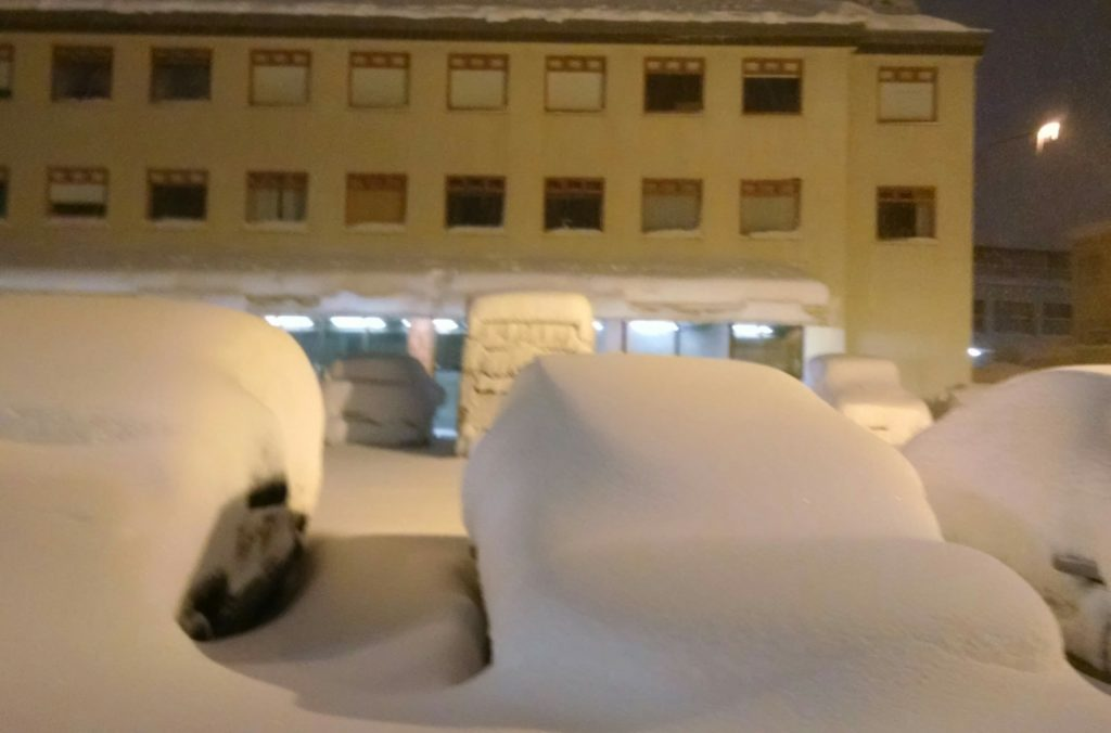 51cm of snow on cars in Reykjavik